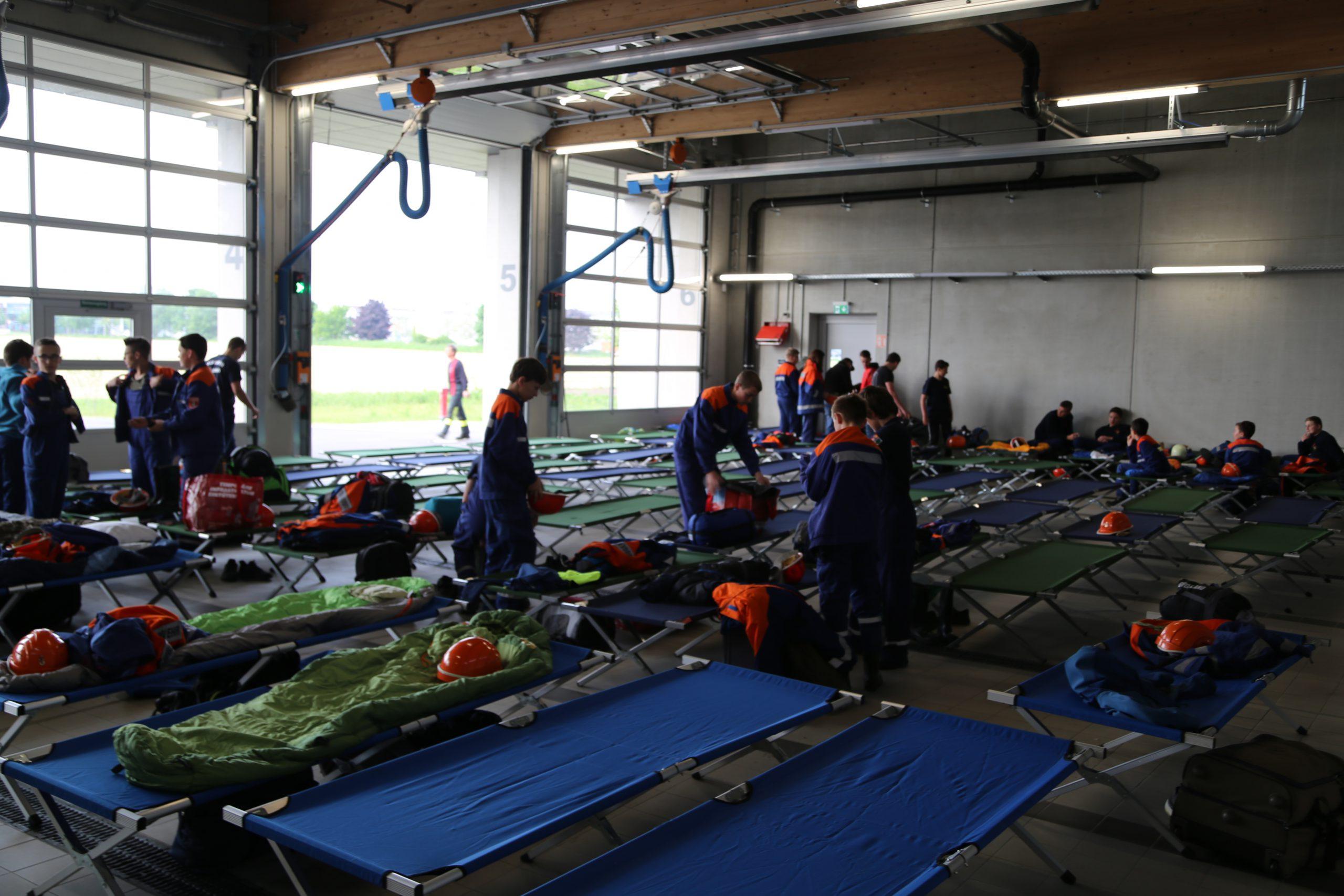 24h Übung 2 - Bettenlager für die Nacht aufbauen